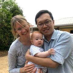 UQRCS Toowoomba Year 4 medical student David Liu with wife Catherine and son Sammy